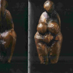 'Figurine'. Gele staetiet. Grimaldi. 4.8 cm. 22.000 v. Chr-17.000 v. Chr. Musée des Antiquités Nationales, Saint-Germain-en-Laye.