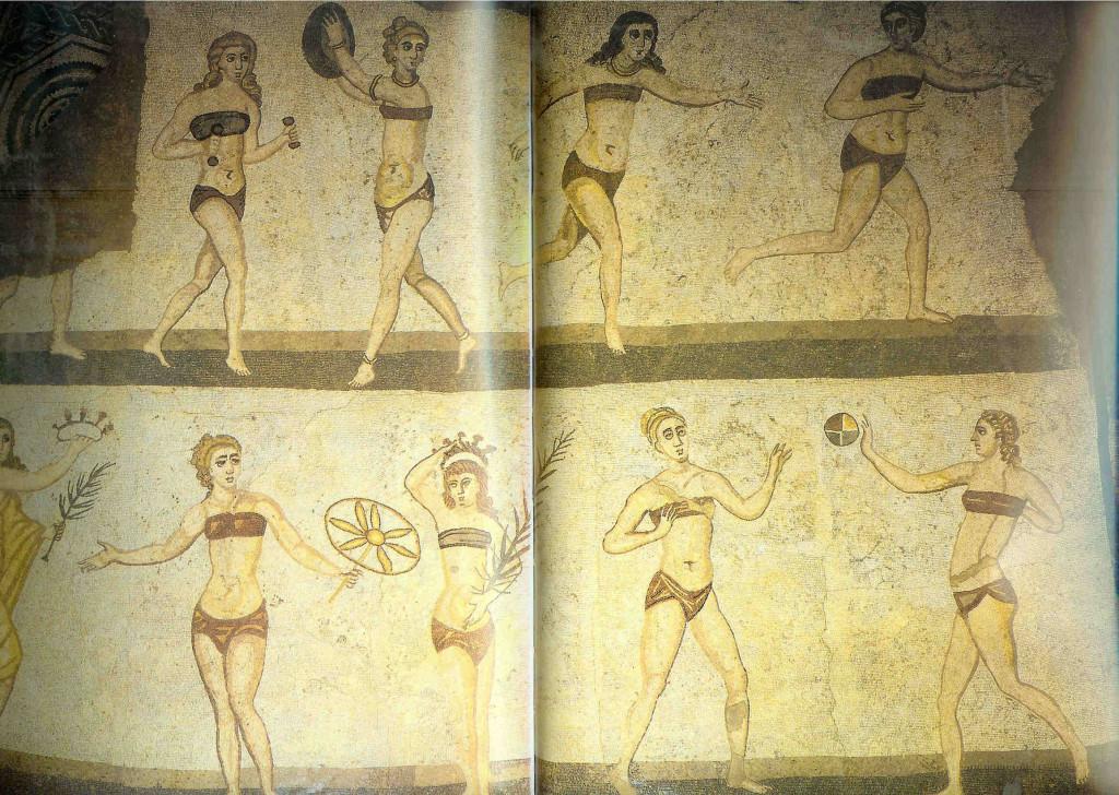Sportende Meisjes. Tien meisjes in sportkleding worden op dit mozaiek afgebeeld. Zij lopen hard, springen, heffen halters en werpen de discus. Villa Herculea bij de stad Piazza Armerina in Sicilië.