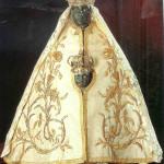 De Zwarte Madonna. Notre Dame du Puy. Zwarte maagd uit de 17e eeuw. Kathedraal van Puy, Frankrijk. In 302 centra in Frankrijk wordt de zwarte Madonna geëerd. Frankrijk is wereldwijd gezien het land met de meeste centra, van Venus tot Madonna, 471.