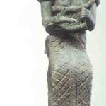 Asjera gehuld in slang.  Bronzen beeld.  14e eeuw. Oegarit in het antieke Kanäan. Of het moderne Ras Shamra gelegen aan de kust van het huidige Syrië.