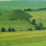 Engeland: Silbury Hill. Wiltshire, Engeland. 2600 v. Chr.