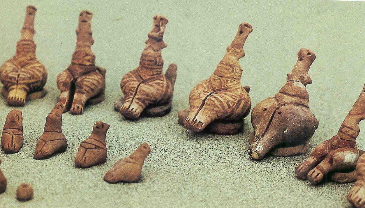 Slangengodinnen uit Sabatinivka. Cucuteni-cultuur. 4800-4600 v. Chr.