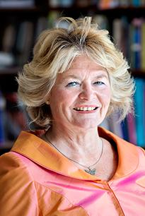 Godsdiensthistoricus en theoloog Annine van der Meer.