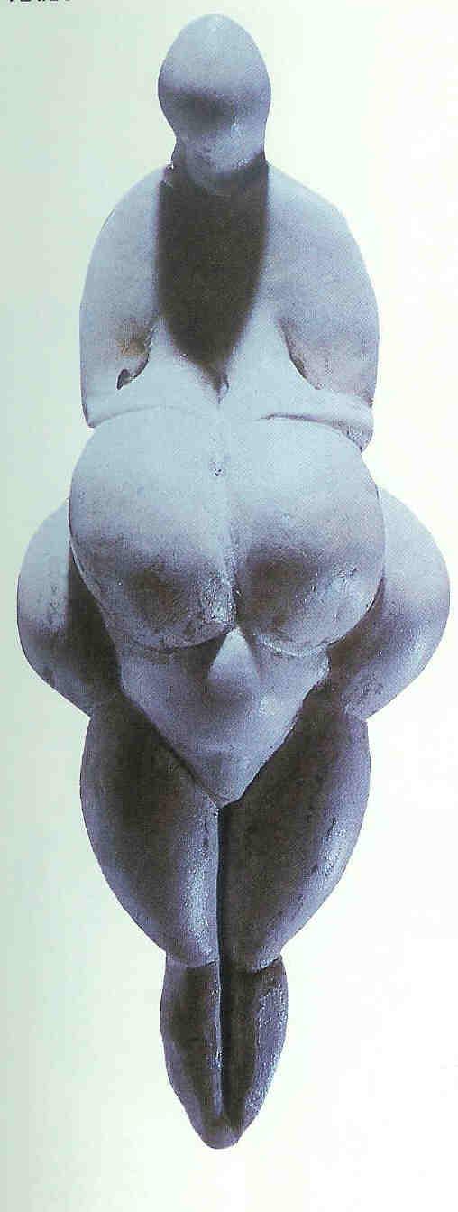 Venus van Lespugue gerestaureerd.